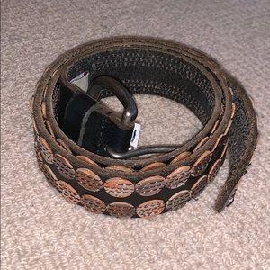brown circle design belt